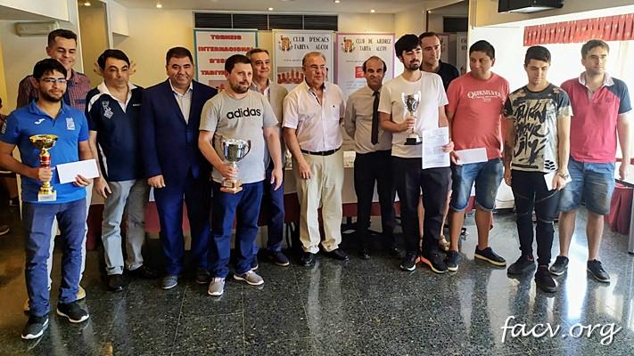 jugadores torneo cerrado de ajedrez en Alicante