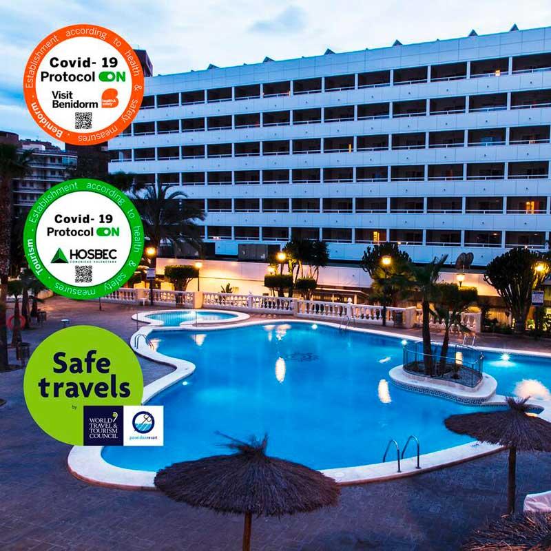 Hotel Poseidon Resort de Benidorm, fachada edificio y piscinas