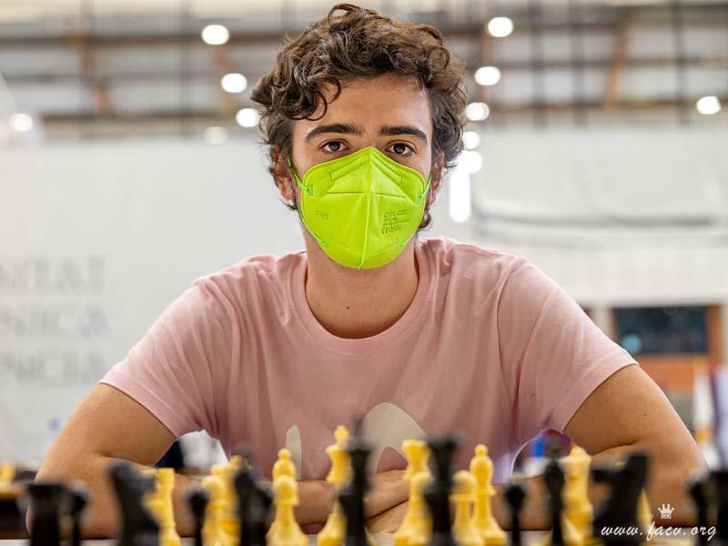 Jugador de ajedrez, Adrián Galiana