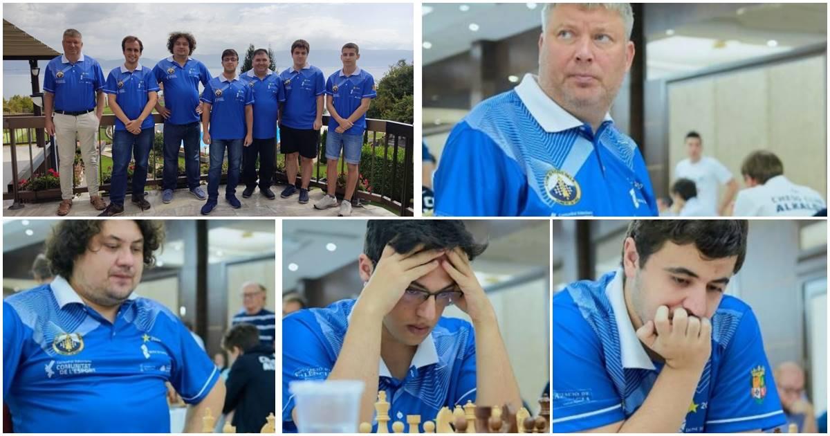 jugadores del club ajedrez Silla